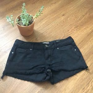 Frayed bullhead black shorts
